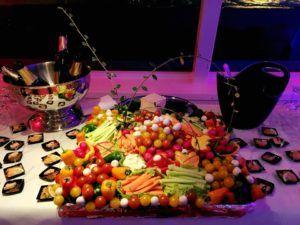 Plateau de légumes frais pour cocktail dinatoire